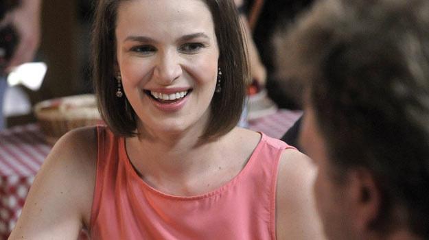 W serialu jest żoną Romana, ale chce być muzą Czesława /AKPA