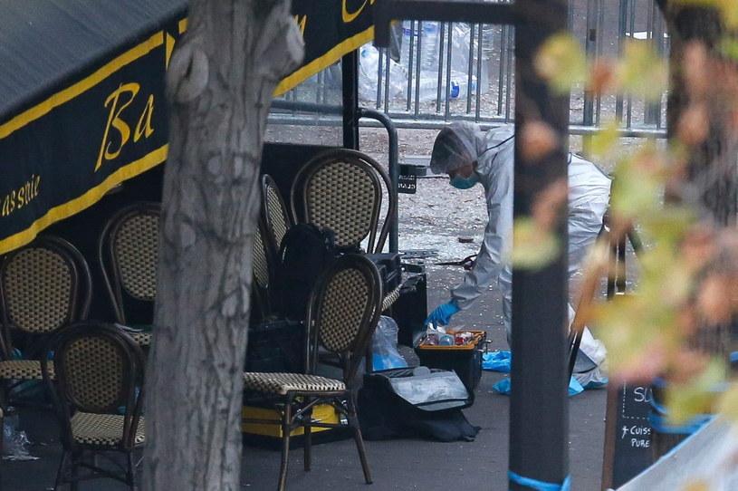 W serii zamachów w Paryżu zginęło 129 osób, a ponad 350 zostało rannych /LAURENT DUBRULE    /PAP/EPA