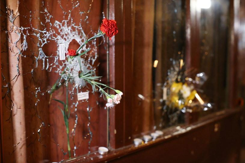 W serii zamachów w Paryżu zginęło 129 osób /Malte Christians /PAP/EPA