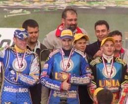 W sezonie 2004 ze złotych medali cieszyła się Unia Tarnów? /INTERIA.PL