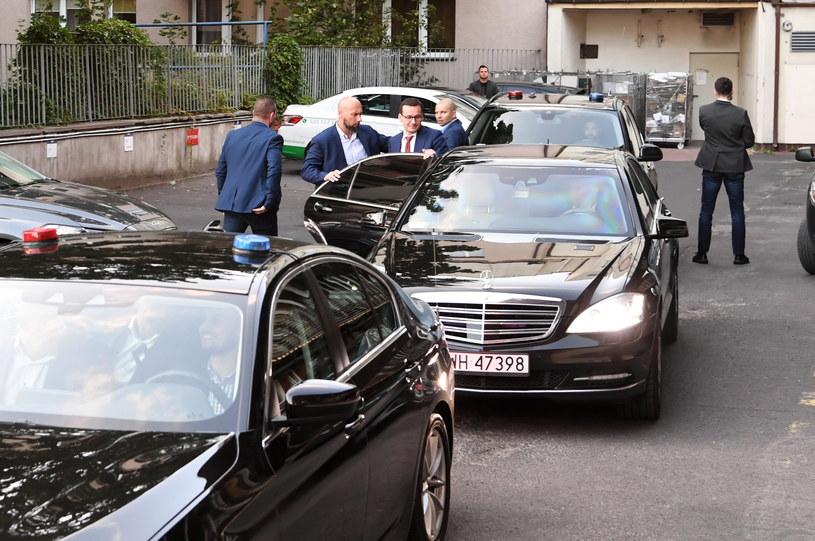 W siedzibie PiS przy ul. Nowogrodzkiej liderzy Zjednoczonej Prawicy zakończyli kolejny etap negocjacji dotyczących nowej umowy koalicyjnej oraz rekonstrukcji rządu