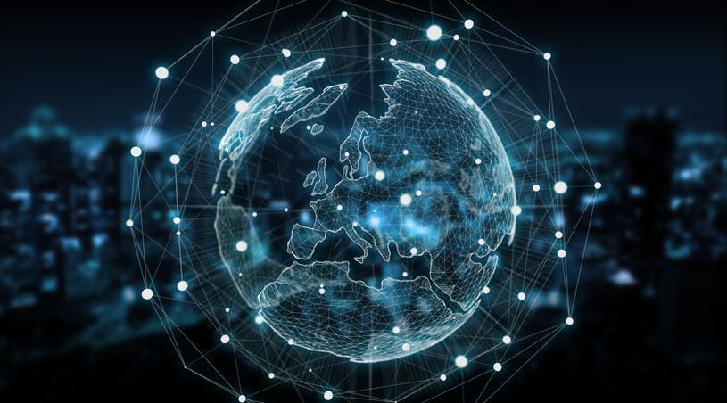 W skład globalnej infrastruktury Microsoftu wchodzi 59 regionów chmurowych. /123RF/PICSEL