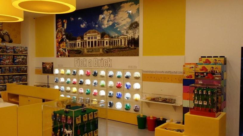 W sklepie będzie można kupić klocki na sztuki /materiały prasowe