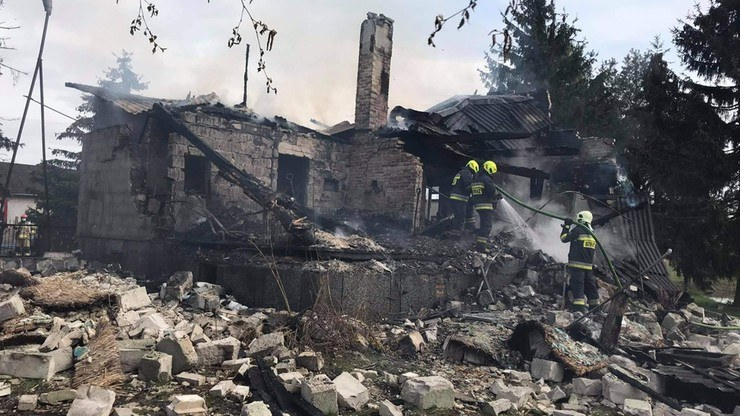 W skutek wybuch dom został zniszczony; źródło: KP PSP w Grójcu /Polsatnews.pl