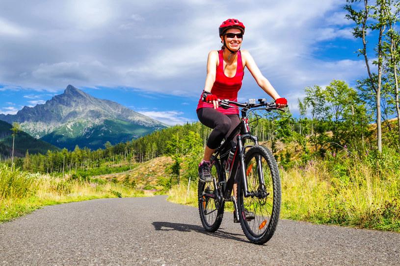 W Słowacji, poza terenem zabudowanym, każdy rowerzysta musi mieć kask /123RF/PICSEL