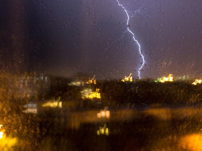 W sobotę burze wystąpią w całej Polsce /123RF/PICSEL