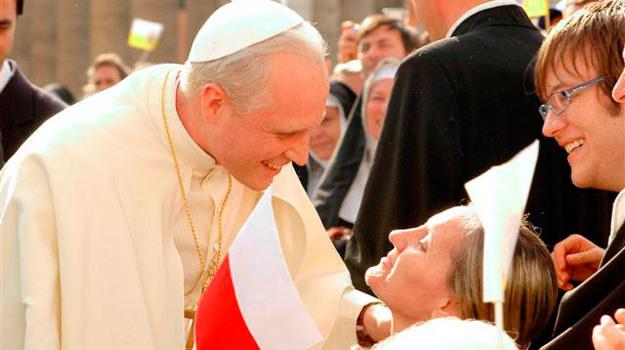 """W sobotę i niedzielę Jedynka pokaże dwie części filmu """"Karol - papież, który pozostał człowiekiem"""" /materiały prasowe"""