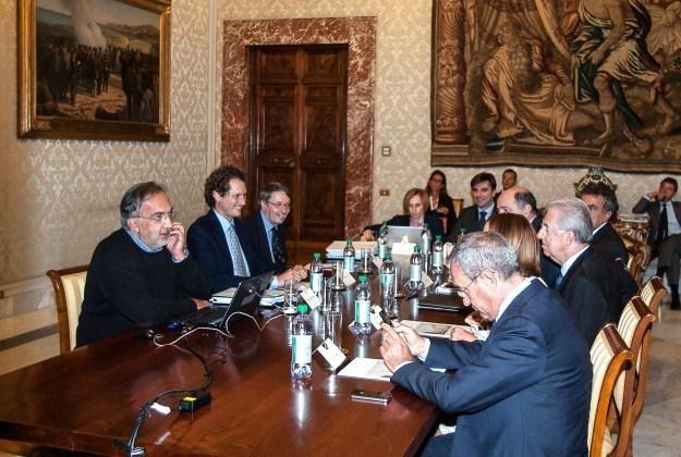 W sobotę Marchionne tłumaczył się przed premierem Włoch /AFP