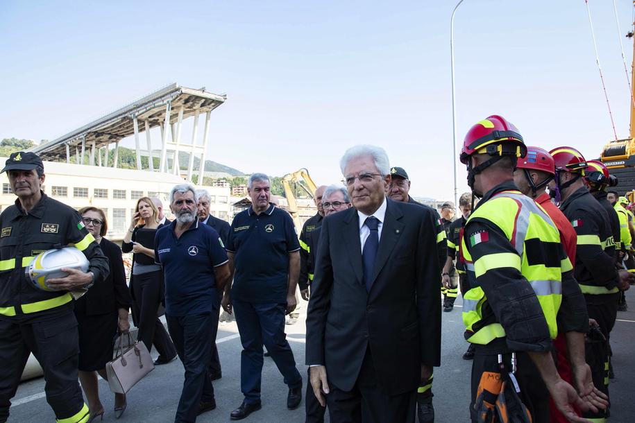 W sobotę na miejsce katastrofy w Genui przybył prezydent Włoch Sergio Mattarella /RANCESCO AMMENDOLA /QUIRINAL PRESS OFFICE / HANDOUT /PAP/EPA