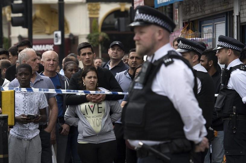 W sobotnich atakach w Londynie zginęło co najmniej siedem osób /WILL OLIVER  /PAP/EPA