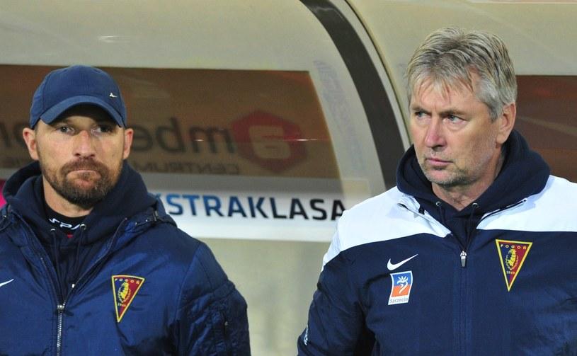 W spotkaniu z Cracovią oficjalnie to Maciej Stolarczyk był pierwszym trenerem Pogoni, a Jan Kocian jego asystentem. /Maciej Bielecki /PAP