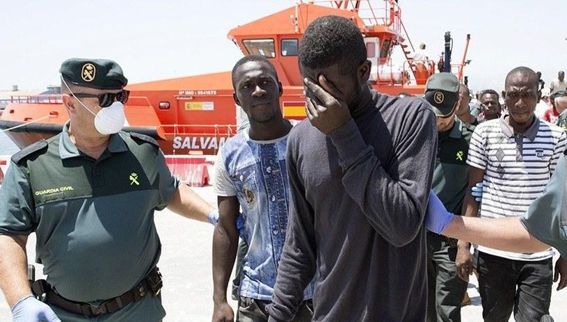 W środę 599 imigrantów przybyło do Hiszpanii droga morską (zdj. ilustracyjne) /MIGUEL PAQUET /PAP/EPA