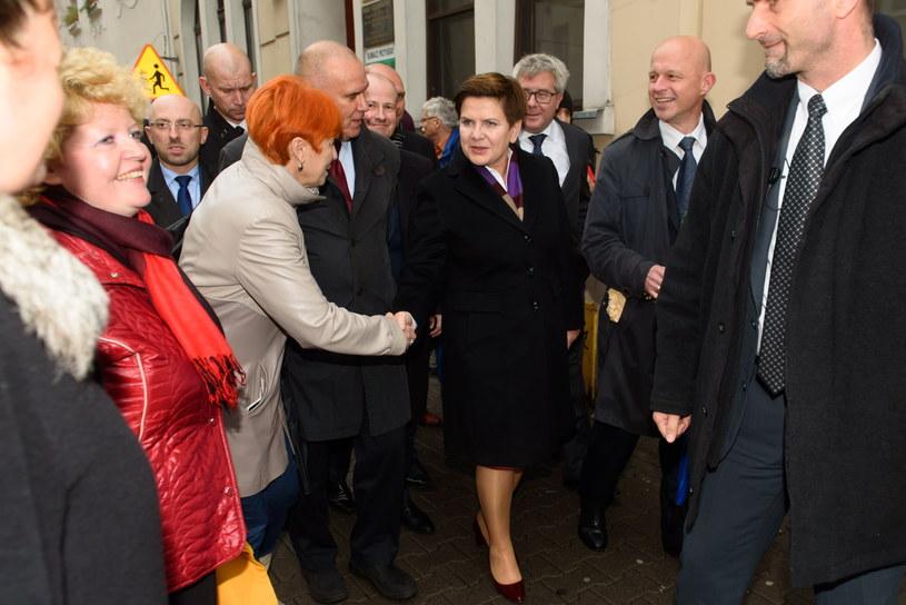 W środę Beata Szydło spotkała się z wyborami w Poznaniu /Jakub Kaczmarczyk /PAP