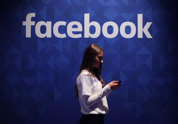 W środę Facebook poinformował, że firma Cambridge Analytica może mieć dane nawet 87 mln użytkowników serwisu /Niall Carson    /PAP/PA
