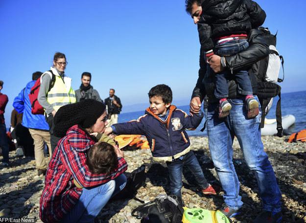 W środę ok. 18 czasu lokalnego Serbowie rozpoczęli cofanie migrantów /AFP /East News