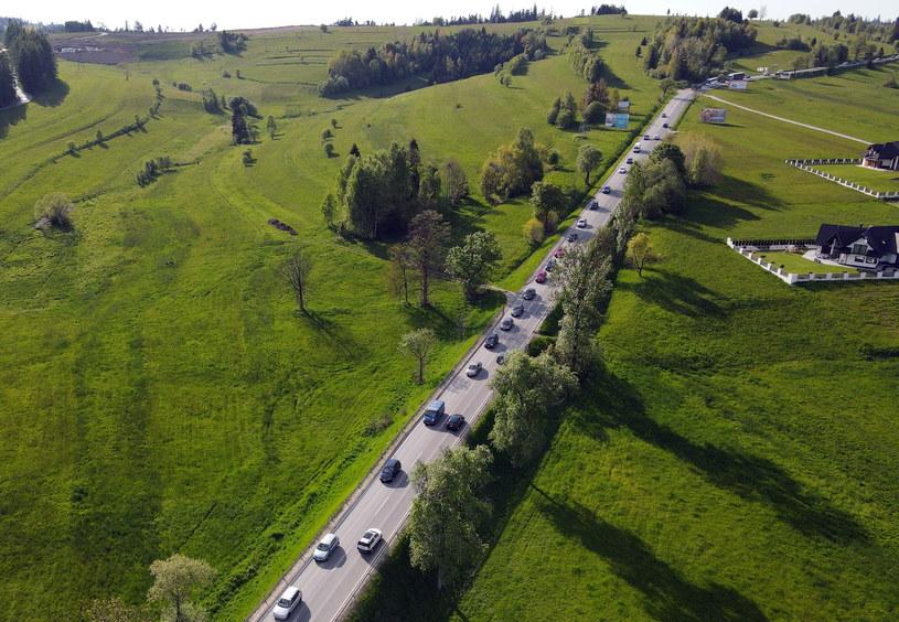 W środę sznury samochodów ciągnęły w kierunku gór /Grzegorz Momot /PAP