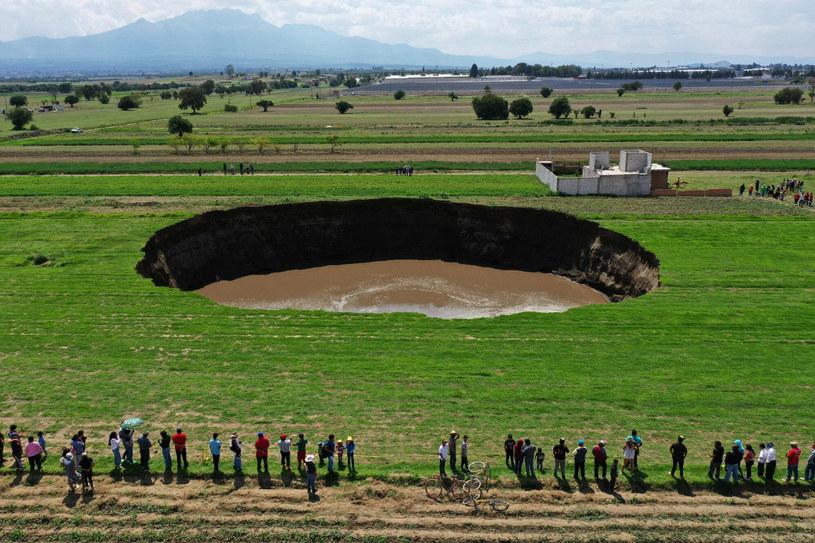 W środkowym Meksyku utworzył się wielki lej /JOSE CASTANARES/AFP/East News /East News