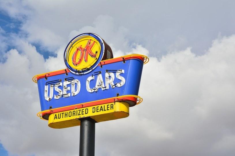 W Stanach trwa boom na używane samochody /123RF/PICSEL