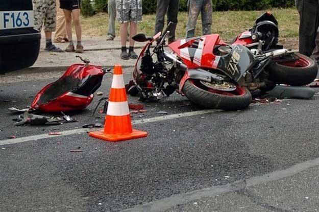 W starciu z samochodem motocykl nie ma szans / Fot: Jach /Reporter