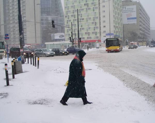 W stolicy może spaść nawet 20 centymetrów śniegu /RMF