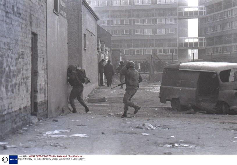 W styczniu 1972 roku brytyjscy żołnierze zabili w Londonderry 13 uczestników pokojowego marszu protestacyjnego /East News