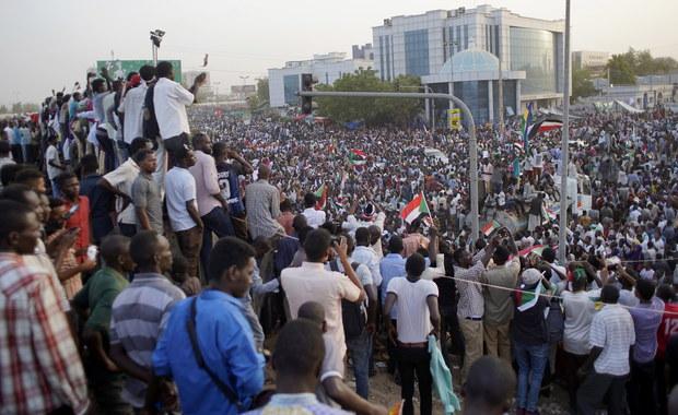 W Sudanie powstała Tymczasowa Rada Wojskowa. Ma zastąpić obalonego prezydenta