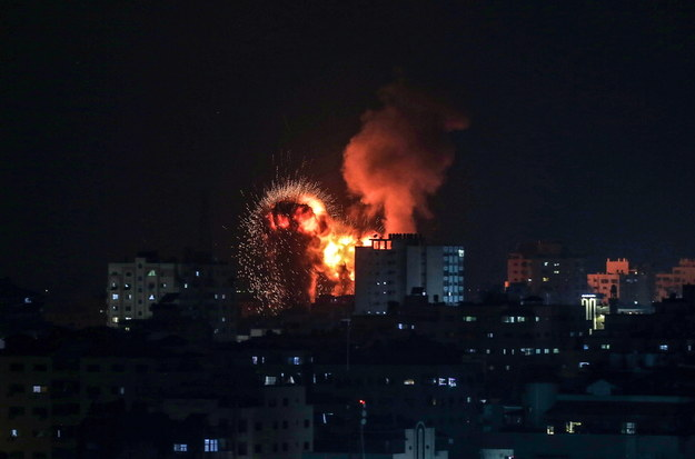 W sumie ze Strefy Gazy wystrzelono ok. 150 rakiet, z których siedem spadło na Jerozolimę /MOHAMMED SABER  /PAP/EPA