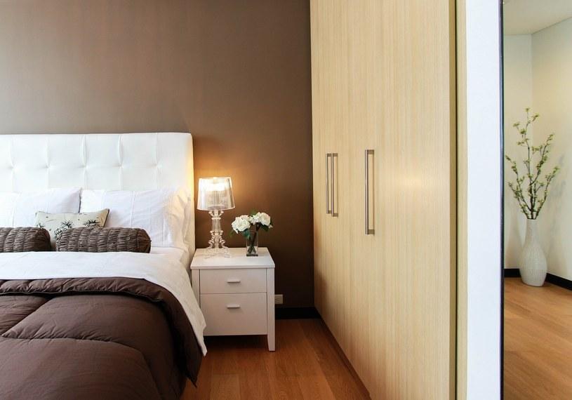 W sypialni powinien królować minimalizm /Pixabay.com