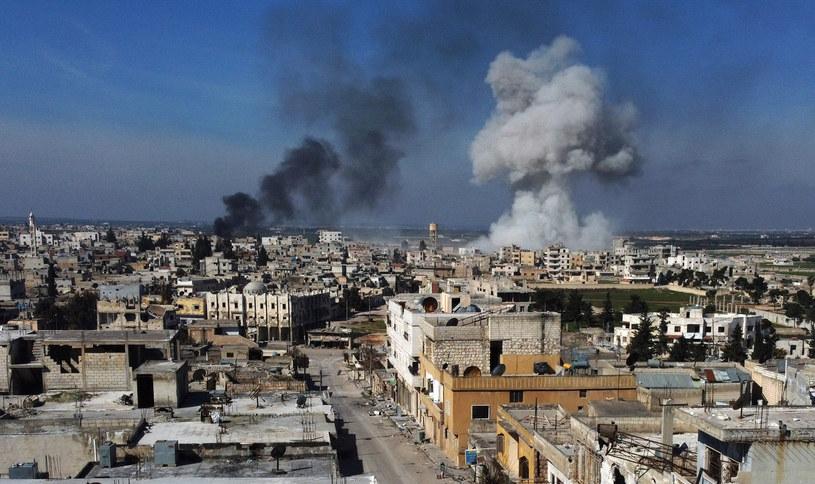 W syryjskiej prowincji Idlib zginęło w sumie co najmniej 29 tureckich żołnierzy /AREF TAMMAWI /AFP