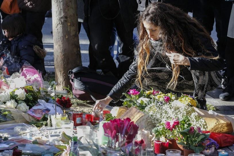 W sześciu zamachach w Paryżu życie straciło co najmniej 129 osób, a około 350 zostało rannych /PAP/EPA