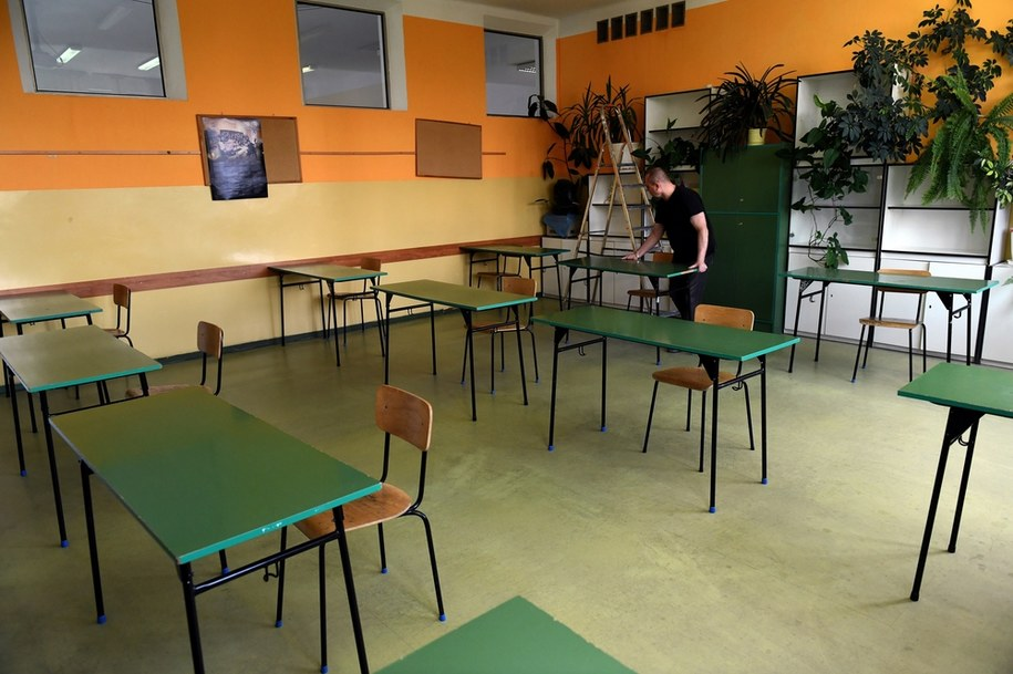 W szkołach trwają przygotowania do tegorocznych egzaminów maturalnych /Darek Delmanowicz /PAP