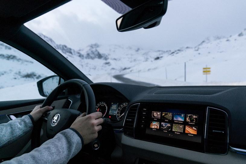 W szkole Skoda Auto Safety kierowcy uczą się bezpiecznej jazdy w każdych warunkach /materiały prasowe
