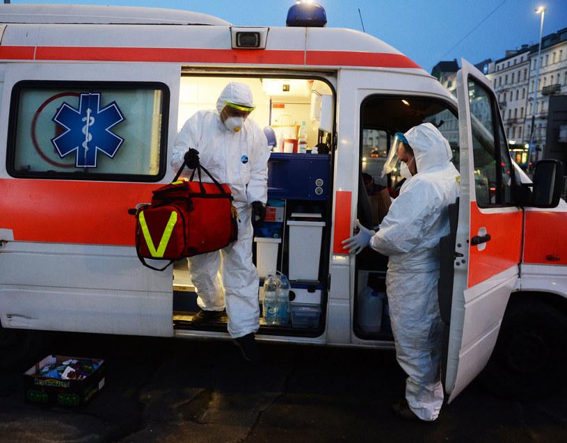 W szpitalu w Sieradzu zakażonych jest 80 osób; zdj. ilustracyjne /Jan Bielecki /East News
