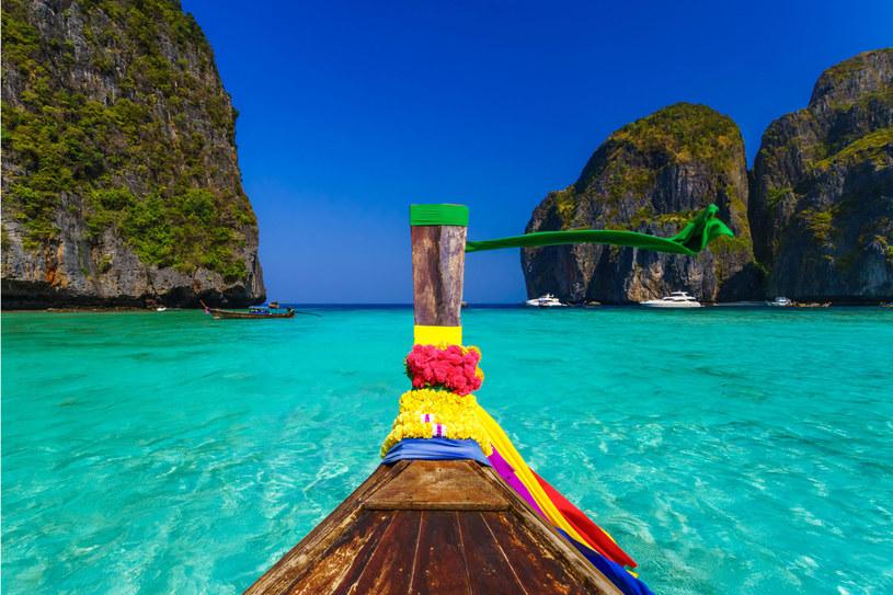 W Tajlandii znajdziesz jedne z najpiękniejszych plaż świata /123RF/PICSEL