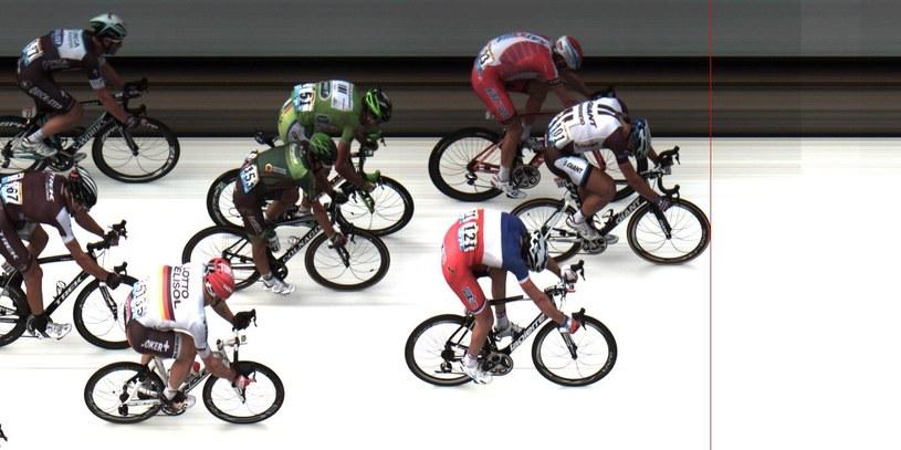 W taki sposób Marcel Kittel wygrywa czwarty etap, z lewej Kristoff, z prawej Demare /AFP