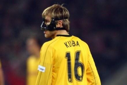 W takiej masce zagrał na Rhein Energie Stadion Kuba Błaszczykowski /INTERIA.PL