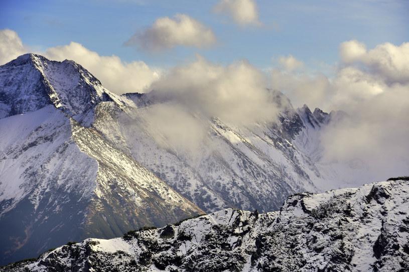 W Tatrach panują trudne warunki /Albin Marciniak /East News