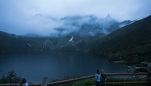 W Tatrach spadł śnieg. Trudne warunki