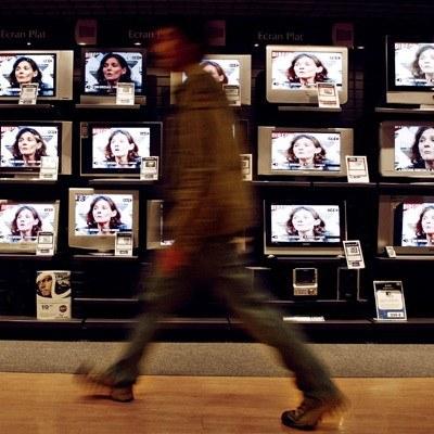 W telewizjach widać przesunięcie budżetów do kanałów tematycznych /AFP