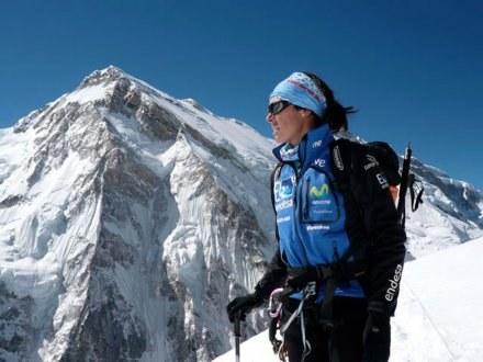 W tle imponujący szczyt Shisha Pangmy /AFP
