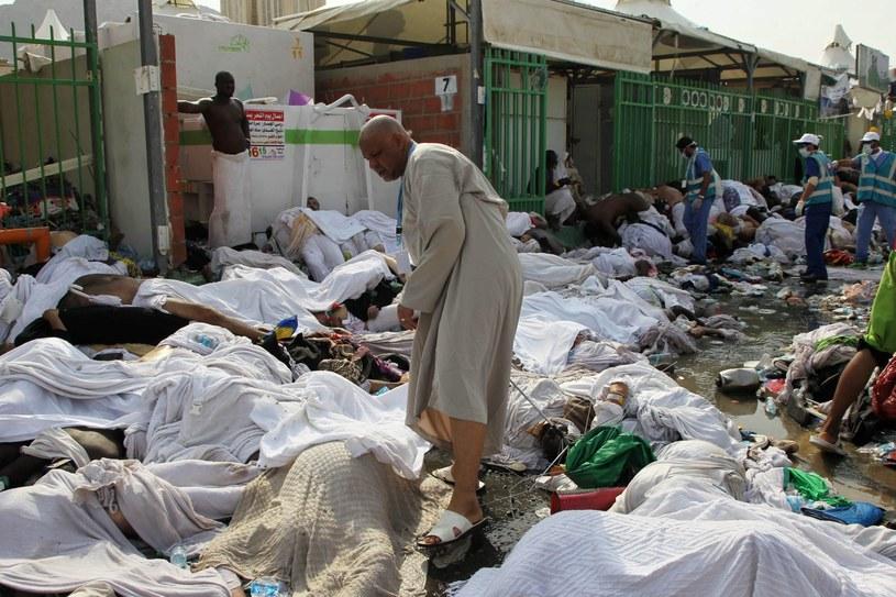 W tłumie wiernych stratowanych zostało ponad 700 osób /PAP/EPA