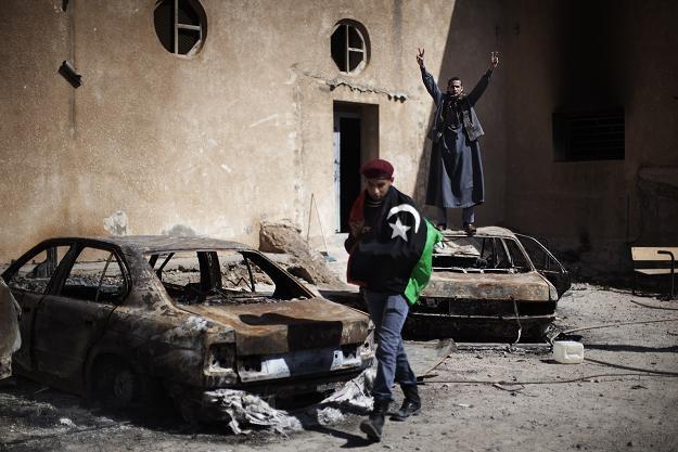 W Tobruku przeciwnicy rządu spalili posterunek policji /AFP