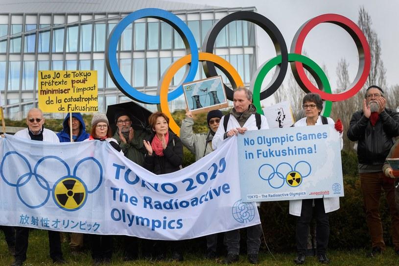 W Tokio nie brakuje przeciwników IO /AFP