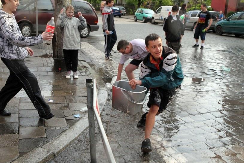 W tradycji ludowej Poniedziałek Wielkanocny znany jest jako śmigus-dyngus albo lany poniedziałek. /Jarosław Jakubczak/Press Photo Center /East News