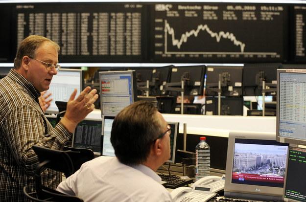 W trzeciej transzy deregulacji znajdzie się także zawód maklera papierów wartościowych /AFP