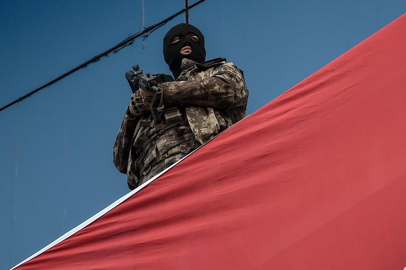 W Turcji zatrzymano ośmiu dżihadystów szkolonych na zamachowców samobójców (zdjęci ilustracyjne) /OZAN KOSE /AFP