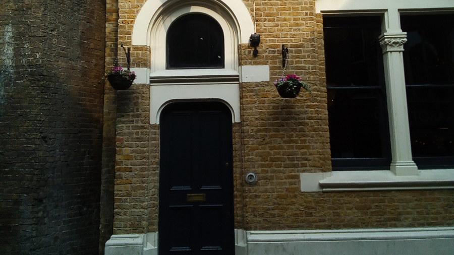 W tym miejscu mieszkała filmowa Bridget Jones /Bogdan Frymorgen /RMF FM