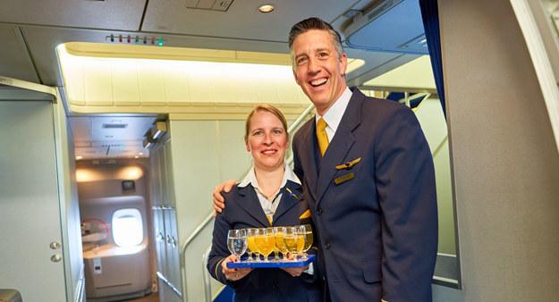 W tym roku Deutsche Lufthansa AG ponownie zatrudni ponad 3000 nowych pracowników. Są to przede wszystkim członkowie personelu pokładowego /123RF/PICSEL