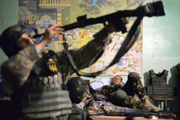W tym roku do wojska zaciągnęło się już na tych warunkach 13 tys. mężczyzn /AFP
