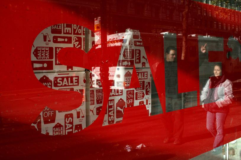 W tym roku nie kupisz taniej na wyprzedaży /AFP